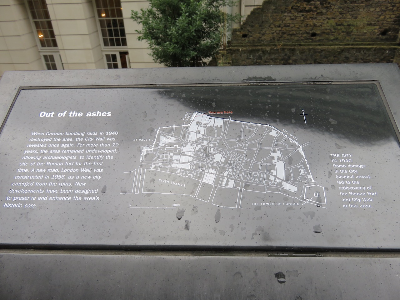 02-london-city-wall-sign-copy
